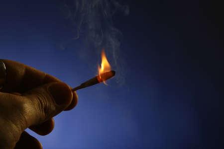 Fuego en la oscuridad 2  Foto de archivo - 671890
