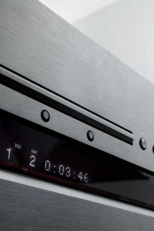 dvdrw: a photo of sper audio cd blu-ray disc player