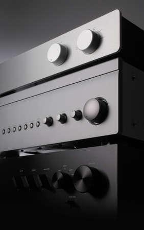 equipo de sonido: una foto de cerca de tres receptores Foto de archivo