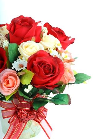 flores de cumpleaños: inventa flores sobre fondo blanco