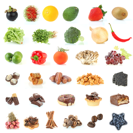 Fondo de la colección de alimentos saludable comer frutas y verduras aisladas sobre fondo blanco Foto de archivo - 83802512