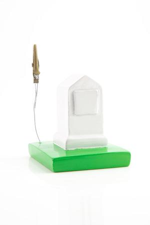 chilometro: piccola pietra chilometro modello photo spiedino su sfondo bianco