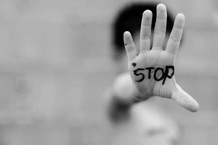 Stop abusing violence. violence, terrified , A fearful child Banque d'images