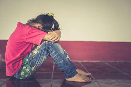Stop abusing violence. violence, terrified , A fearful child. 写真素材