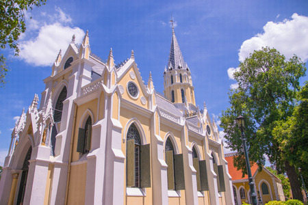 Iglesia antigua en Bhang pa-in, Tailandia photo