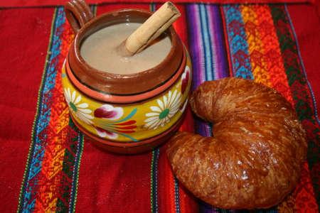 Champurrado和羊角面包