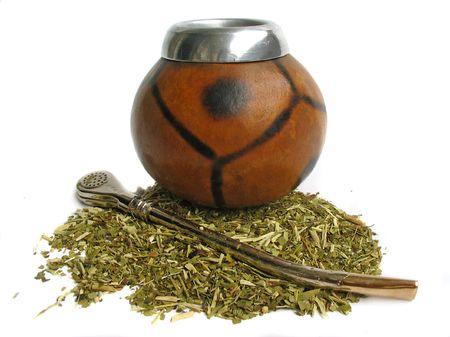 yerba mate: Yerba mate taza y paja, bebida tradicional de Argentina  Foto de archivo