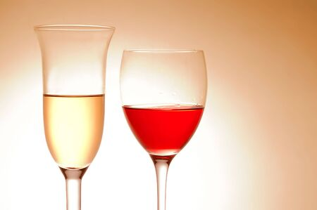 Vaus wine glasses on pink background Stock Photo - 4493155