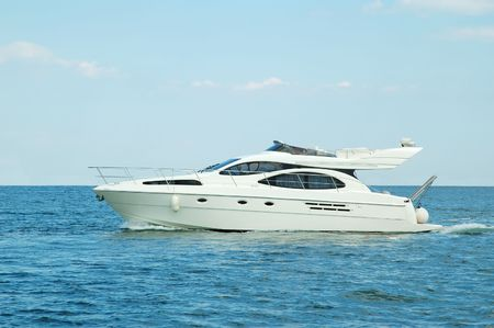Luxury motor yatch Stock Photo - 5334127