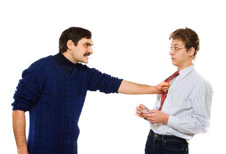 conflictos sociales:  Imagen de operarios sosteniendo por un hombre de negocios por su empate