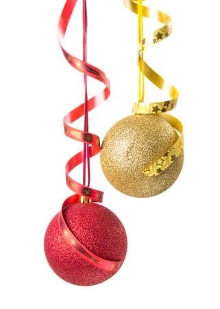 motivos navideños: Bolas de la Navidad aislado en blanco