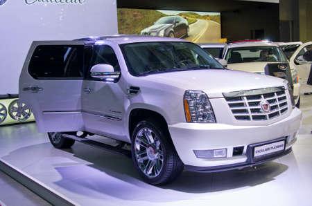 MOSKOU, RUSLAND-6 september 2012: Cadillac Escalade Platinuml op de Moscow International Automobile Salon
