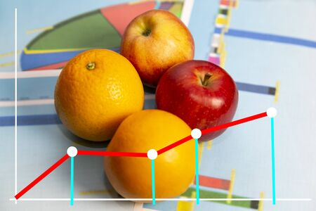 Scheme of fruit crop growth from the farm. Graph of profit from the sale of fruit. Zdjęcie Seryjne