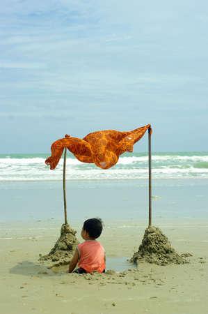Child and Sea Stock Photo - 13924144
