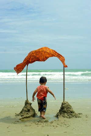 Child and Sea Stock Photo - 13956451