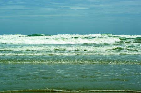 SEA Wave and Sky Stock Photo - 13956444