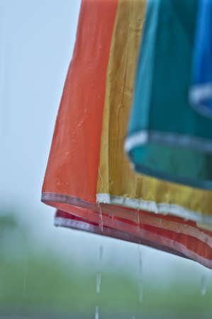 einrollen: Regenschirme und regen Lizenzfreie Bilder