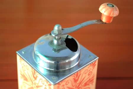 młynek do kawy: Photo of an antique coffee grinder