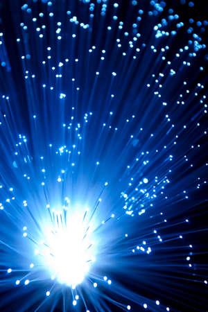 fibre optique: Bleu c�bles � fibre optique Banque d'images