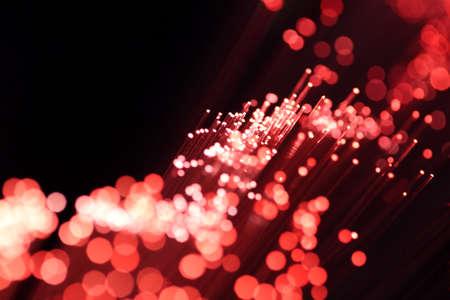 fibre optique: Les c�bles optique � fibres rouges
