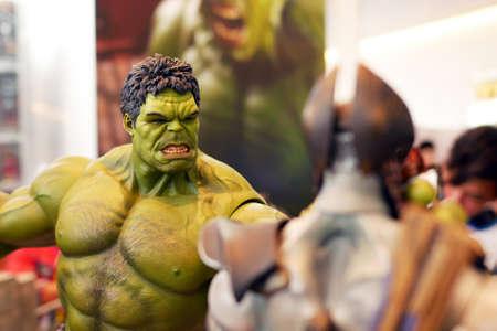 Bangkok, Tailandia, 3 de mayo de 2015 Marvel Hulk Figure Toy había demostrado en Thaland Comic Con 2015 Editorial