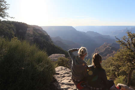 Relaxing and viewing at Grand canyon 版權商用圖片