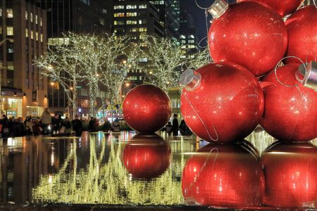 6th Avenue, Christmas season in Manhattan
