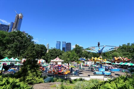 city park skyline: Summer Scenery at Central Park, NYC Stock Photo