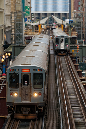 Train at Loop in CHICAGO Editöryel