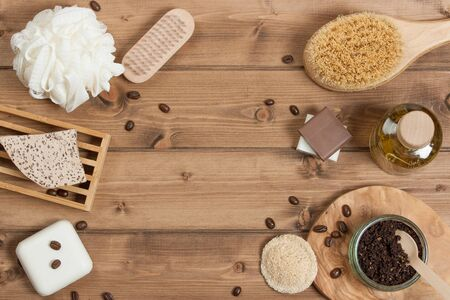 productos de aseo: Hecho a mano de café Scrub. Jabón de avena. Estropajo. Artículos de higiene, Spa Set. Vista superior