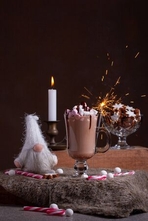 Christmas Hot Chocolate With Sparklers And Christmas Decor Imagens