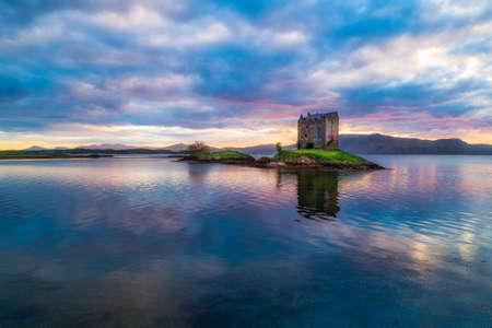 Castle Stalker in der Nähe von Portnacroish in Schottland