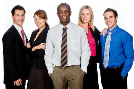 Eine Gruppe von jungen, tragen attraktive und vielfältigen Geschäftsbereichen im formalen zusammen auf weißen Hintergrund stehend