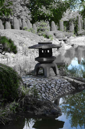 ner: Mini Shrine in Japanese garden in Bonn Rheinaue
