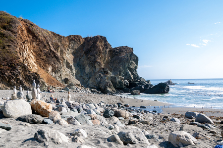 California beach off the Pacific highway with balancing rocks Banco de Imagens