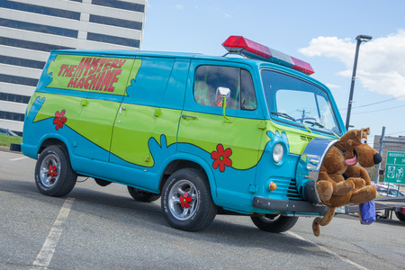 woodbridge: APRIL 26, 2015 - Woodbridge, NJ: A replica of the Mystery Machine, from Scooby Doo, is showcased at a local car show. Editorial