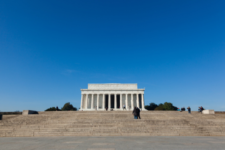 lincoln memorial: A view of the Lincoln Memorial with a crisp blue sky
