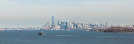 staten: The Manhattan, New York skyline as seen from Fort Wadsworth on Staten Island.  Photo taken March 1, 2016.