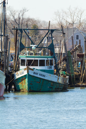 BELFORD, NEW JERSEY - April 11, 2017: The Mary Virginia fishing boat is docked at the Belford Seafood Cooperative 에디토리얼