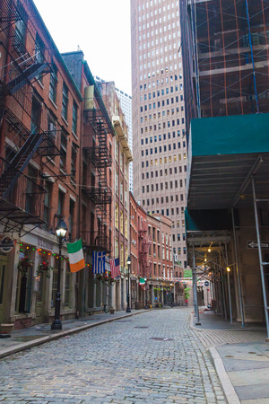 NEW YORK, NEW YORK - August 19, 2018: A view of an empty Stone Street in Lower Manhattan, with its many restaurants and pubs 에디토리얼