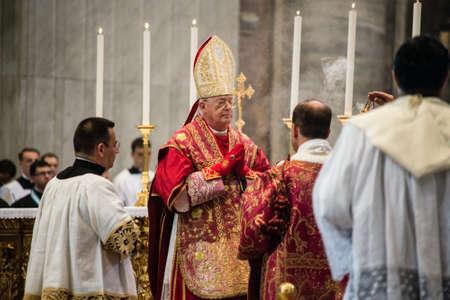 Roma-Italia-16 de septiembre de 2017-Romería con motivo del décimo aniversario del Summorum Pontificum, Misa pontificia en Vetus Ordo, Misa en latín, Santa Misa en la Cátedra de San Pedro en la Basílica del Vaticano