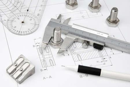 mechanical: moeren moersleutel en de remklauw op de technische tekening Stockfoto