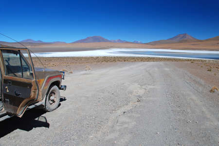 oxygene: offroad car in the bolivian desert