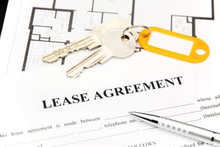 rental house: Arrendamiento documento de acuerdo con las llaves y la pluma