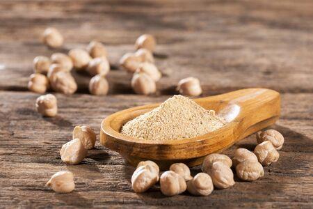 Organic chickpea flour - Cicer arietinum
