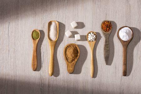 Variety of sweeteners - Sugar, stevia leaves and pollen Zdjęcie Seryjne