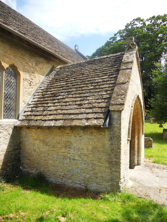cotswold: Cotswold church doorway, doorway of a small church in the Cotswolds, Gloucestershire, UK