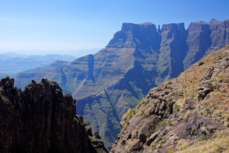 View of the high peaks of the Drakensberg mountains, Royal Natal National Park, South Africa Stock Photo - 4470519