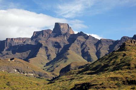 드라 켄스 버그 산, 로얄 나탈 국립 공원, 남아프리카 공화국의 amphiteater에서 Sentinal 피크