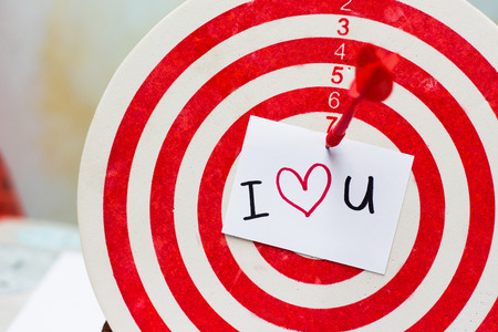 i love u: i love u wording on dartboard